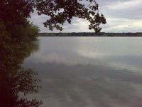 Pohled na Munický rybník uHluboké nad Vltavou