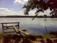 Pohled zhráze na Novohaklovský rybník