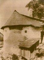 Bašta městského opevnění na historické fotografii