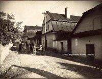 Ulice Dolní bašta na počátku 20.stol.