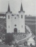 Kostel skaplí
