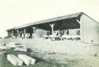 Dřevěná bouda, která sloužila jako dílna kameníků– vlétě