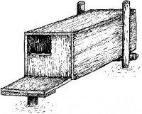 Hloubka hnízdní dutiny vkachní budce může být až 1m, ale stačí už cca 30cm. Vnitřní šířka dutiny je 25– 30cm, stejně jako její výška. Velikost vletového otvoru je minimálně 15×15 cm. Před budkou se umísťuje nástupní prkénko pro výstup zvody orozměrech cca 25×25 cm. Budka se umísťuje nad vodní hladinu nejlépe při okrajích rybníků, tak aby dno bylo cca 30cm vysoko. Jednoduché a zároveň dostatečně stabilní je upevnění na tři kůly zaražené do dna rybníka. Pro zvýšení pravděpodobnosti zahnízdění se do budky vloží trochu suchétrávy.
