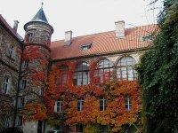 Na zámku a vjeho blízkém okolí bylo natočeno několik filmů a pohádek.