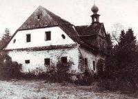 Kamenný dům– Hrádky