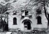 Poničený kostel